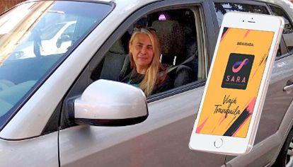A bordo. El servicio permite que los hombres viajen pero acompañados por ellas. Ya tienen 200 conductoras activas.