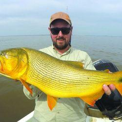 Un cierre de verano a todo ritmo con tigres de los ríos de tamaños imponentes en puntos clave del estuario del Plata.