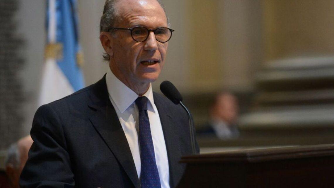 Supreme Court Chief Justice Carlos Rosenkrantz.