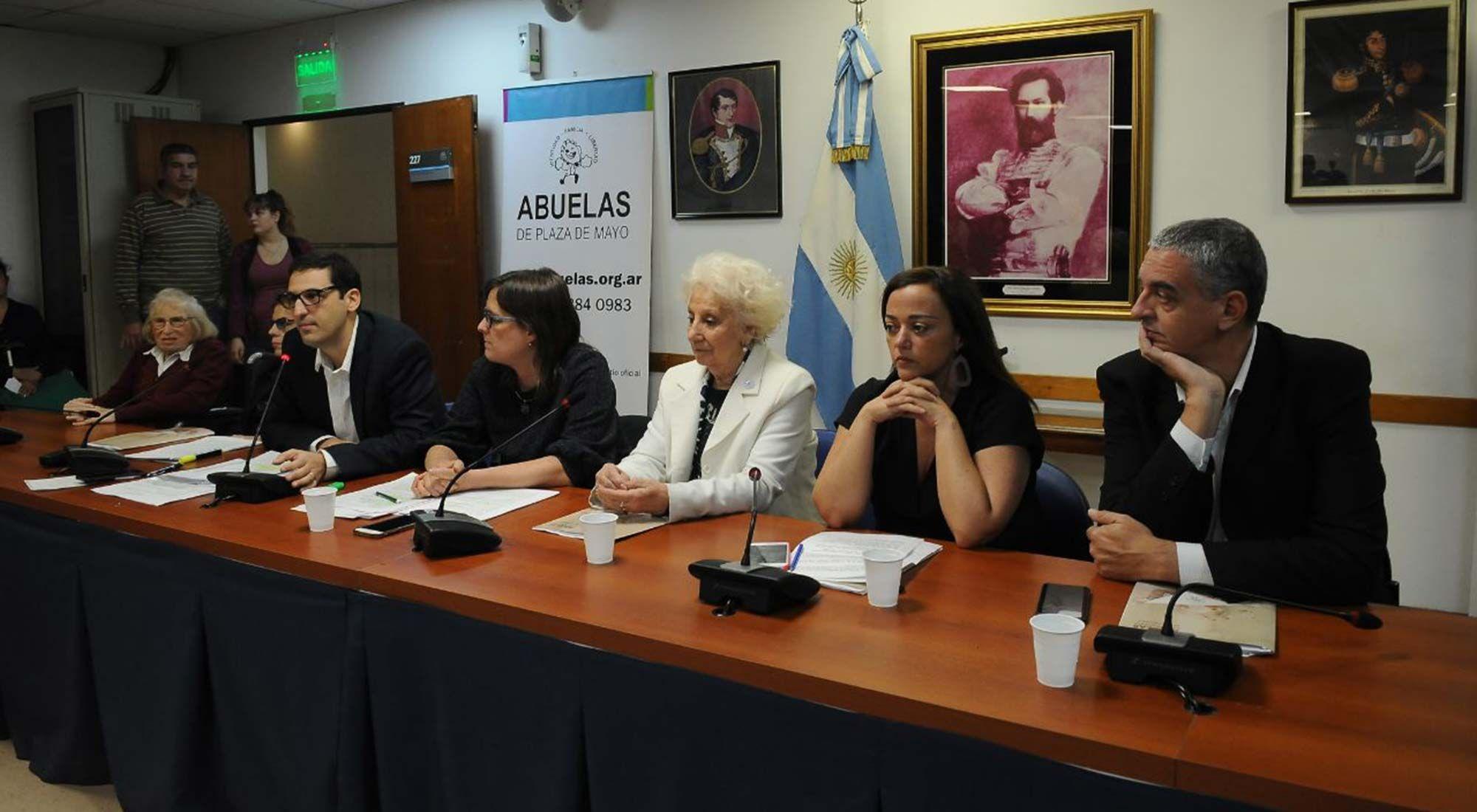 Abuelas de Plaza de Mayo presentará el jueves su anteproyecto de Ley de Fortalecimiento y Protección de la Memoria, la Verdad y la Justicia.