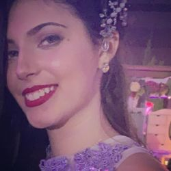 Vicky, la hija de Mónica Ayos y Diego Olivera celebró sus soñados 15.