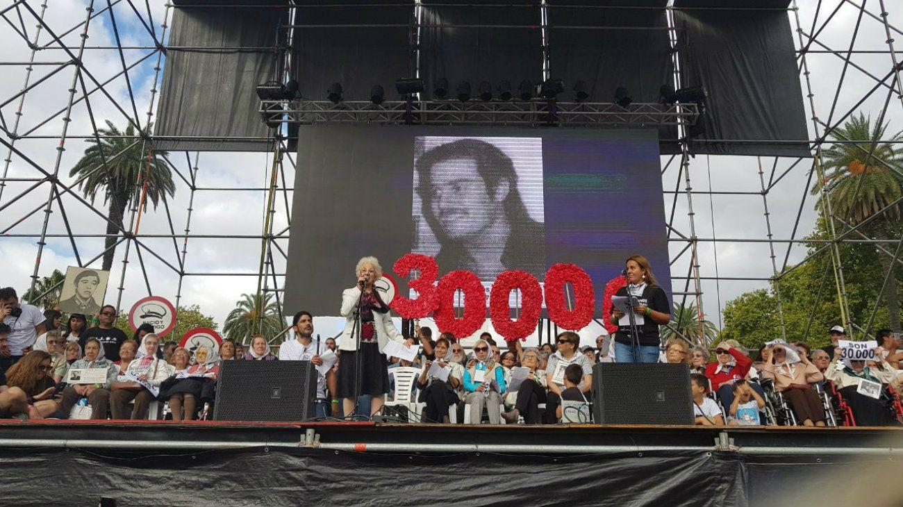 Movilización por el 24 de marzo en Plaza de Mayo