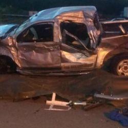 Así quedó la pick-up que chocó contra un camión en Carmen de Areco. Foto: Ministerio de Seguridad de la Provincia de Buenos Aires.