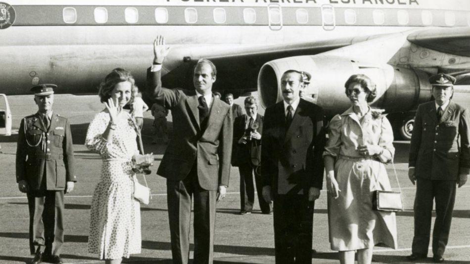 Los reyes Juan Carlos y Sofía recibidos por Videla en 1978