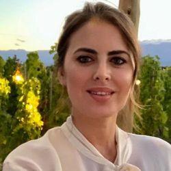 Silvina Luna en un viñedo de Mendoza
