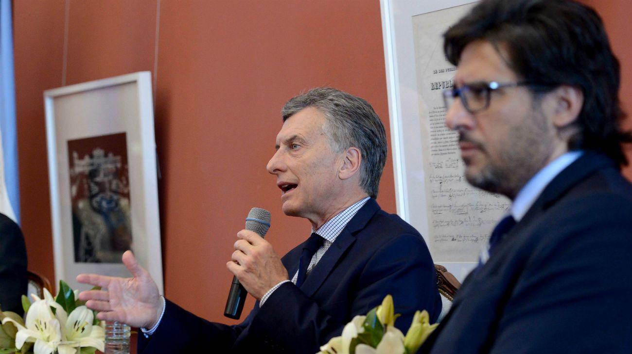Macri y Garavano son dos de los acusados por asociación ilícita.