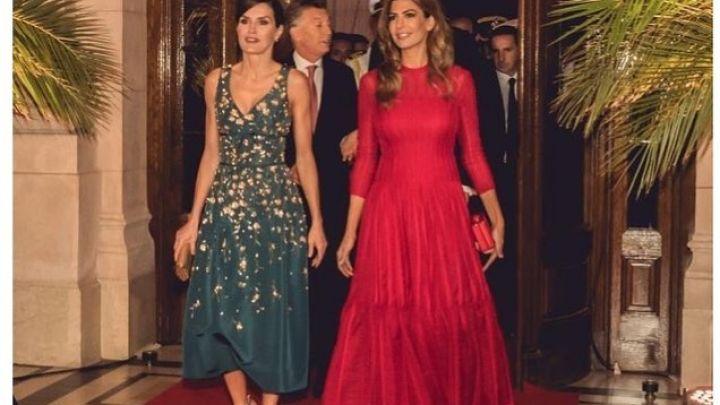 Duelo de estilos: los looks de Juliana Awada y Letizia Ortiz que deslumbraron en la visita de los reyes
