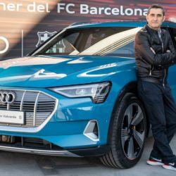 El DT Ernesto Valverde se llevó un Audi e-Tron.