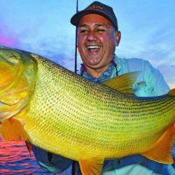 El dorado es el gran atractivo de la pesca deportiva en Paso de la Patria.