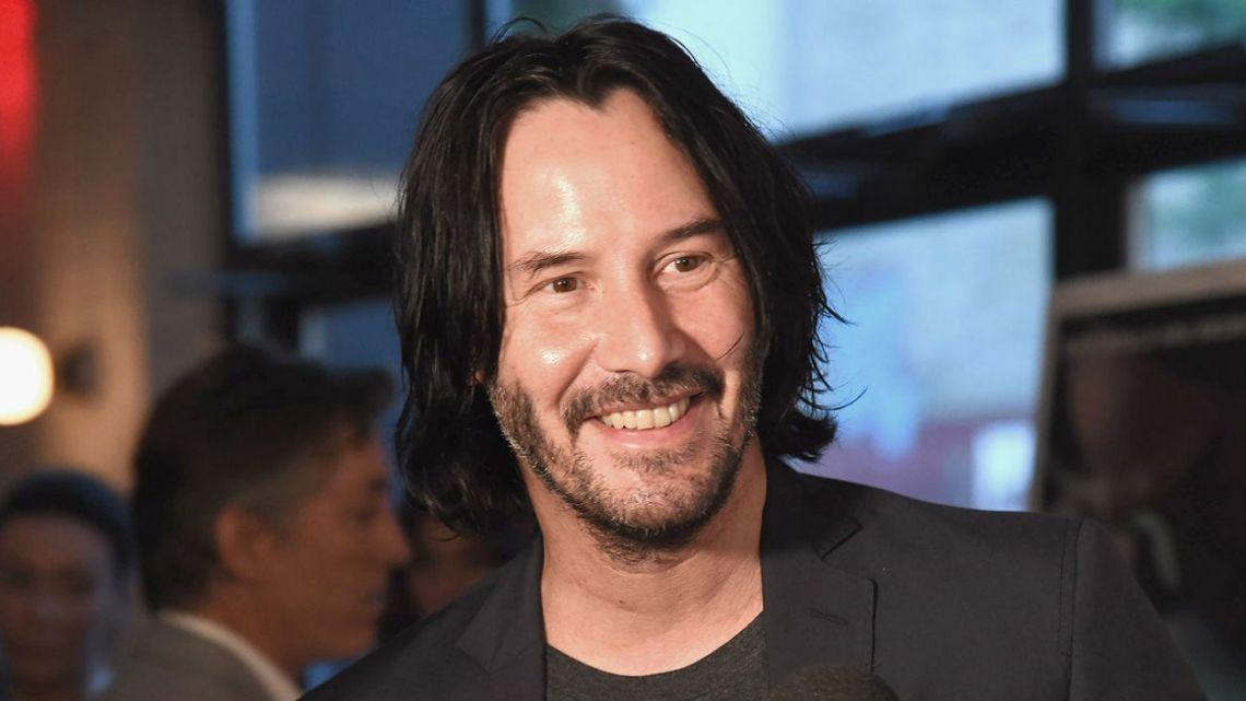 Keanu Reeves ayudó a pasajeros tras un aterrizaje de emergencia