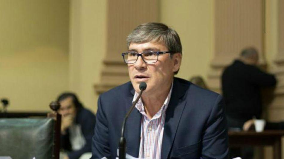 Cisneros, diputado provincial.