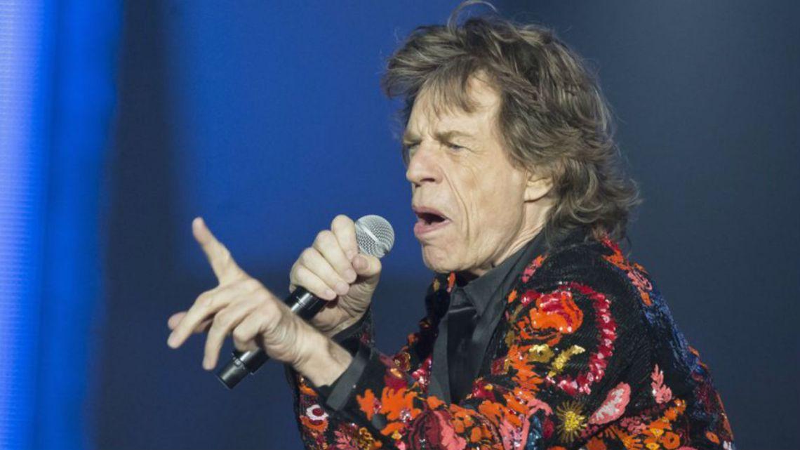 Los Stones suspenden su gira por la salud de Mick Jagger