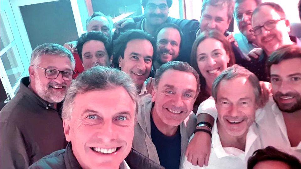 compañia. Macri llegó el viernes por la noche a Chapadmalal para cenar con el gabinete de Vidal.