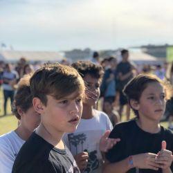 Pampita y sus hijos en el festival