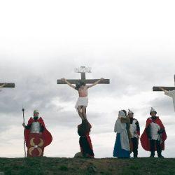 001-crucifixion