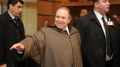Resultado de imagen para presidente de argelia renuncia