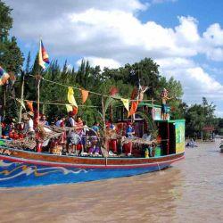 En Tigre se pueden realizar paseos en lancha o practicar algún deporte náutico.