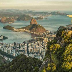 Para quienes se rehúsan a que empiece el frío, Río de Janeiro es el destino perfecto.