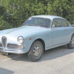 La bella máquina Alfa Romeo Giulietta Sprint de 1961, obra del gran ingeniero austriaco.
