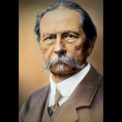 Retrato coloreado de Carl Benz (1884-1929).