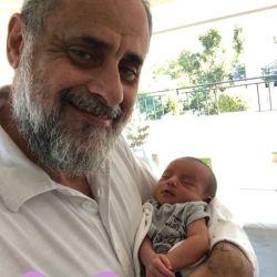 Jorge Rial, baboso con su nieto.