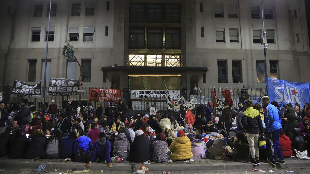 El corte en la Avenida 9 de Julio se extendió hasta las 22.