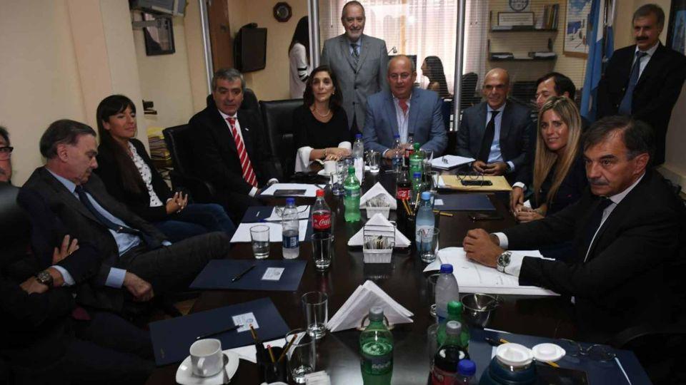 Gustavo Arribas, y su número dos en la AFI, Silvia Majdalani, se presentaron en la Comisión Bicameral de Inteligencia del Congreso.