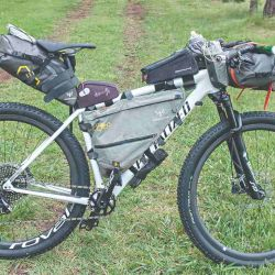 El bikepacking utiliza tres lugares clave para distribuir el peso