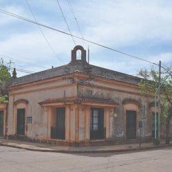 Casa de la familia Ansola, en la esquina de San Martín y Batalla de Salta.