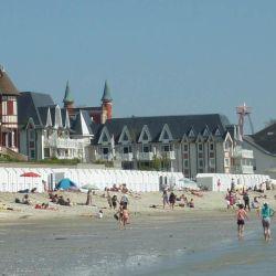 La costa de Le Crotoy es conocida por las mareas y las focas que descansan en los bancos de arena de la Pointe du Hourdel.