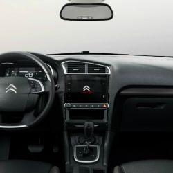 Así es el interior del Citroën C4 Lounge que se fabrica en la Argentina.