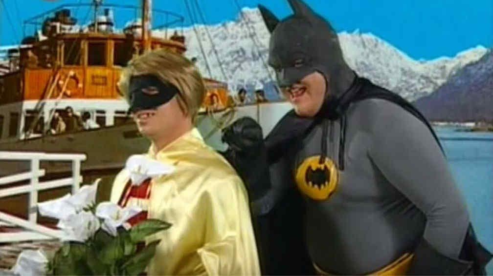 Alfredo Casero personificando a Batman en el ciclo televisivo Cha Cha Cha
