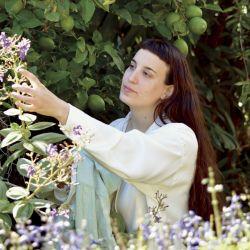 La naturaleza está presente en la vida de Lucía y en todas sus colecciones.