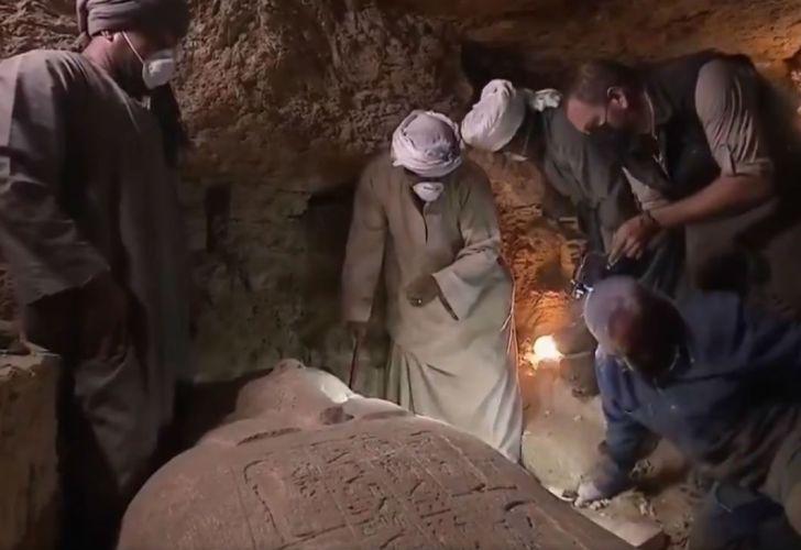 El sarcófago estaba en las afueras de Minya, al borde del río Nilo y al sur de El Cairo.