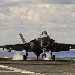 Según la estimación más reciente, el F-35C tiene un precio de 107,7 millones de dólares.