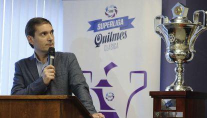 Mariano Elizondo, titular de la Superliga.