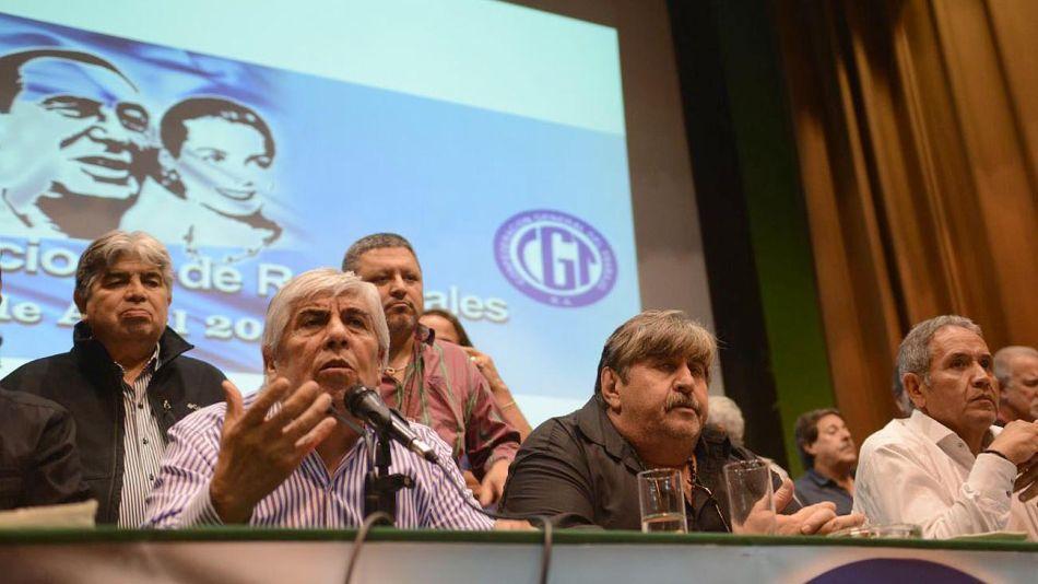 Moyano, Pignanelli y Pallazzo, en el anuncio del paro nacional hecho en Smata.