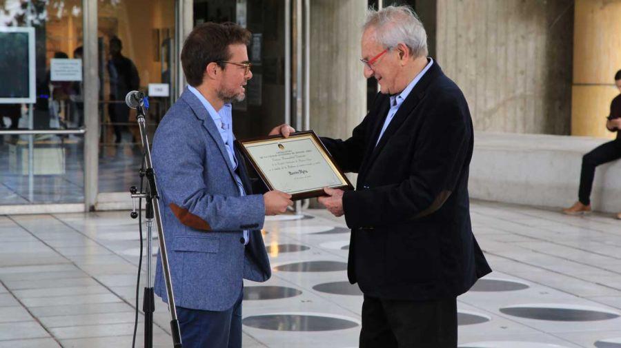 Enrique Avogadro, Ministro de Cultura de la Ciudad de Buenos Aires, nombró a Leandro Katz como Personalidad Destacada de la Cultura.