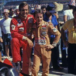 Carlos Reutemann junto al recordado Gilles Villeneuve.Foto: Ercole Colombo.