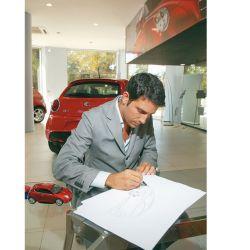 Juan Manuel Díaz, retro: una postal de Parabrisas de hace diez años con el entonces diseñador del Alfa Romeo Mito