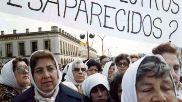 Madres de Plaza de Mayo.