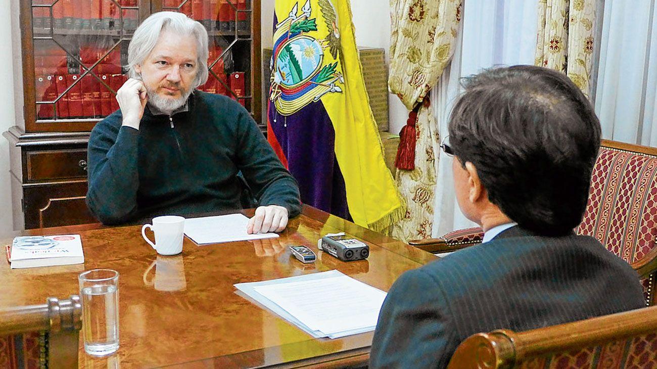 """Julian Assange: """"Yo defiendo el populismo"""""""
