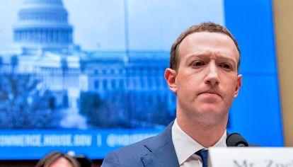 Zuckerberg. Desde Facebook, en artículos de opinión, propuso la necesidad de plantear regulaciones globales a la información que transmiten las redes sociales.