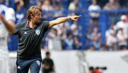 En Vélez todos piden por la continuidad de Gabriel Heinze.