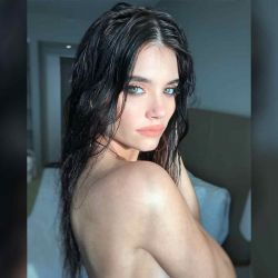 Eva de Dominici en topless