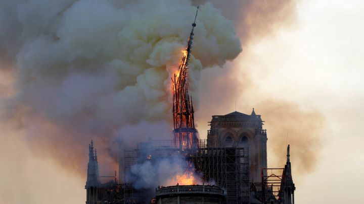 Las impactantes fotos del incendio a la catedral de Notre Dame