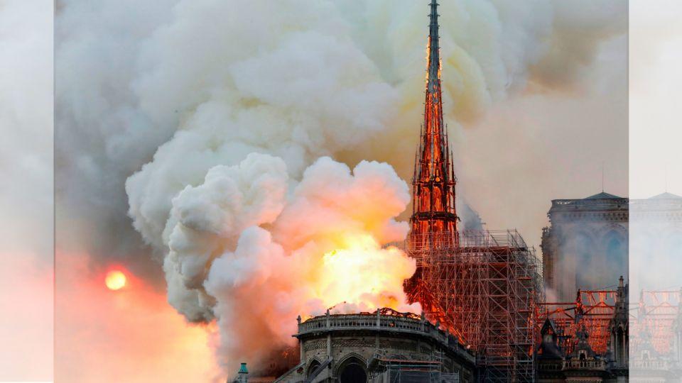Se consume en llamas la catedral de Notre-Dame en París.