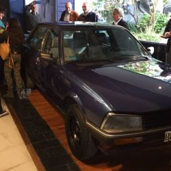 El Peugeot 505 de Favaloro ya es parte del Museo Fangio