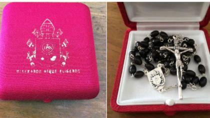 El rosario que el Papa le envió a Amado Boudou.