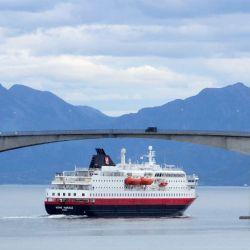 Los pasajeros de los cruceros pasan algunas horas en la pequeña Nyksund.